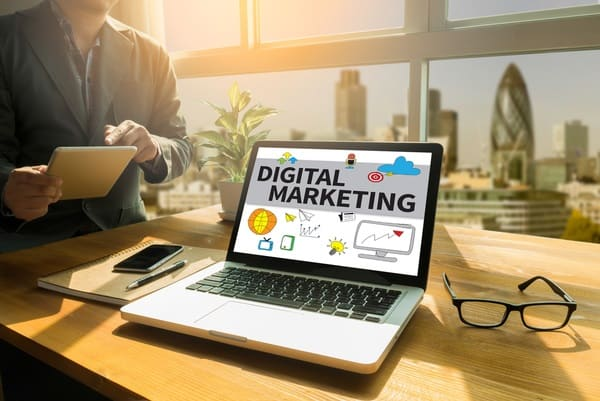 המדריך המלא לבחירת חברה לשיווק דיגיטלי
